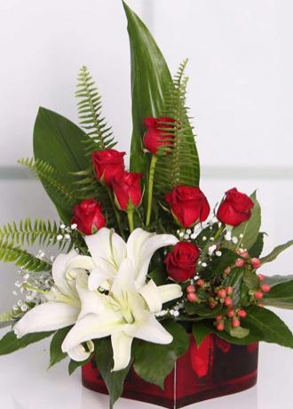 Alanya Çiçek Lilyum ve Güller