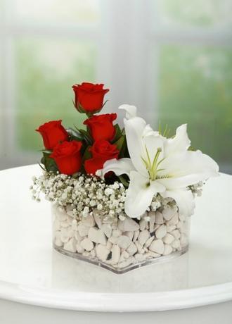 Alanya Çiçek Kalp Mika Gül ve Lilyum