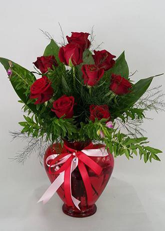 Alanya Çiçek Kalp Vazoda 9 Kırmızı Gül