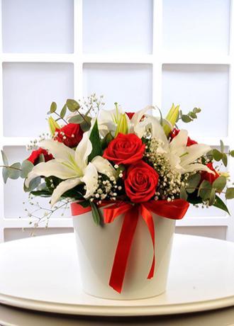 Alanya Çiçek Seramikte 7 Gül ve Lilyum