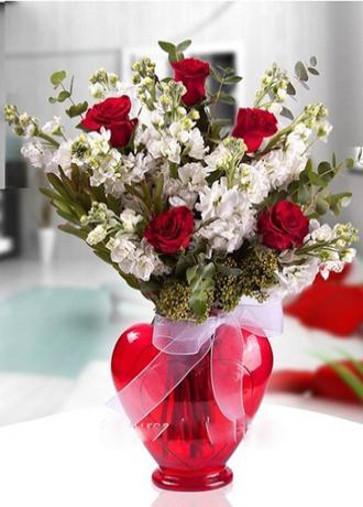 Alanya Çiçek Kalp Vazoda Şebboy ve Gül