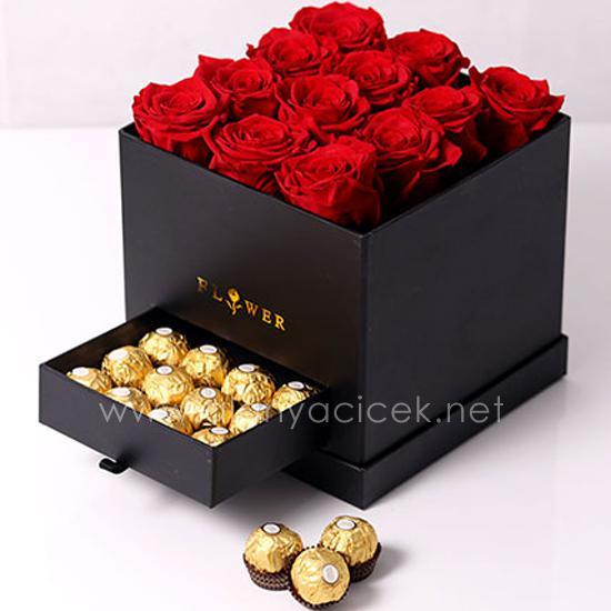 alanya Çiçek 12 Gül ve Ferrero çikolata