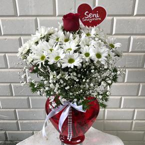 alanya Çiçek Kalp Vazo papatya 1 gül