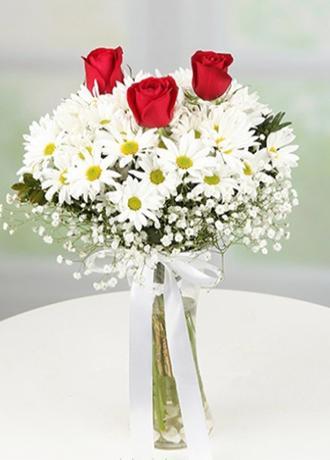 alanya Çiçek Vazoda 3 Gül ve Papatyalar