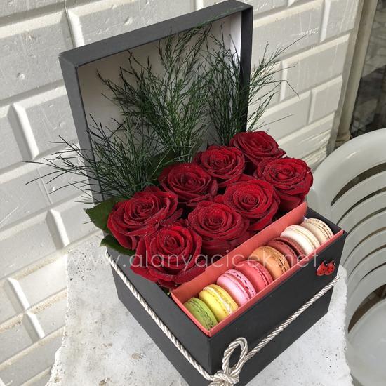 alanya Çiçek Makaron ve Güller