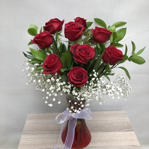 7 kırmızı gülden buket Vazo İçerisinde 9 Kırmızı GÜl